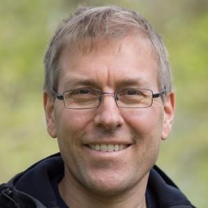 Dr. Thomas Larsen